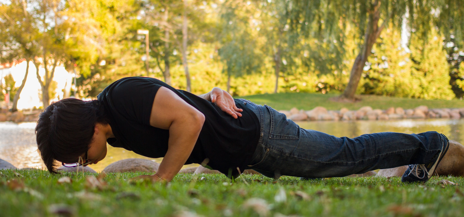 One armed pushup in the park